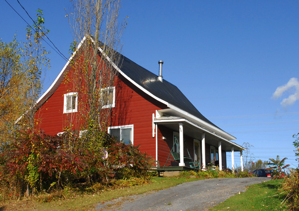 Chalet La Maison Du Détour   Charlevoix (Quebec) Canada   Accommodation,  Lodging Downtown Baie Saint Paul, Older House Located In Countryside,  Restaurant, ...
